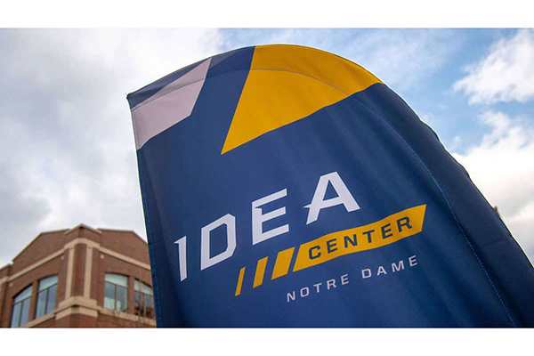 Idea Center Flag 600x400